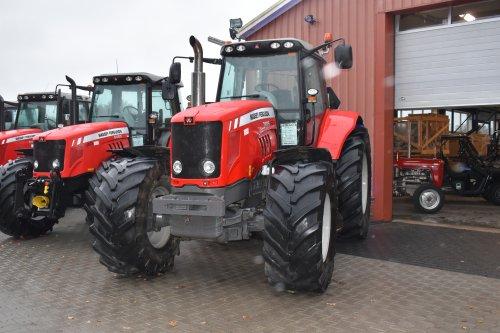 Foto van een Massey Ferguson 7485 Dyna-VT bij pelgrom. Geplaatst door jordi 1455 op 07-01-2020 om 18:44:42, op TractorFan.nl - de nummer 1 tractor foto website.