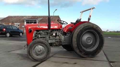 Foto van een Massey Ferguson 35 X. Geplaatst door manus op 25-02-2020 om 18:21:05, op TractorFan.nl - de nummer 1 tractor foto website.