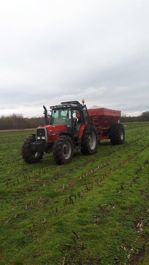 Foto van een Massey Ferguson 6170. Geplaatst door Emmink op 22-03-2020 om 13:31:10, op TractorFan.nl - de nummer 1 tractor foto website.