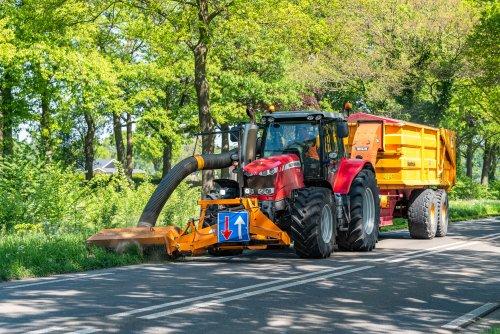 Kijk, daar heb je De Jong Zuurmond (Beesd) × met een Massey Ferguson 7716.. Geplaatst door deerefan op 08-05-2020 om 14:13:12, op TractorFan.nl - de nummer 1 tractor foto website.