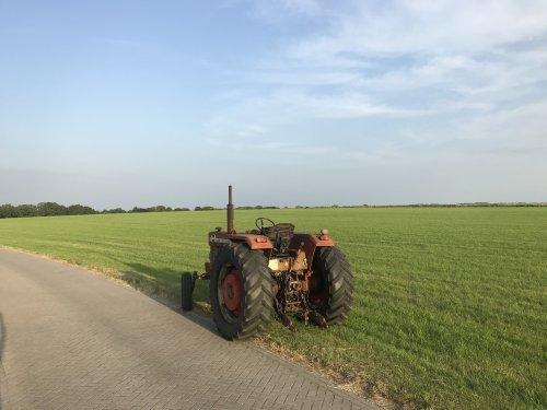 Foto van een Massey Ferguson 1080. Geplaatst door Jelke D op 19-06-2021 om 01:38:24, op TractorFan.nl - de nummer 1 tractor foto website.