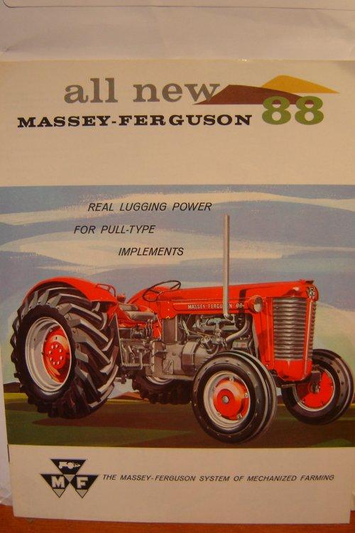 Massey Ferguson 88 van fendt 590