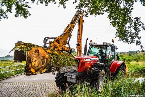Foto van een Massey Ferguson 7480.. Geplaatst door CaseSound op 14-07-2013 om 22:28:54, op TractorFan.nl - de nummer 1 tractor foto website.