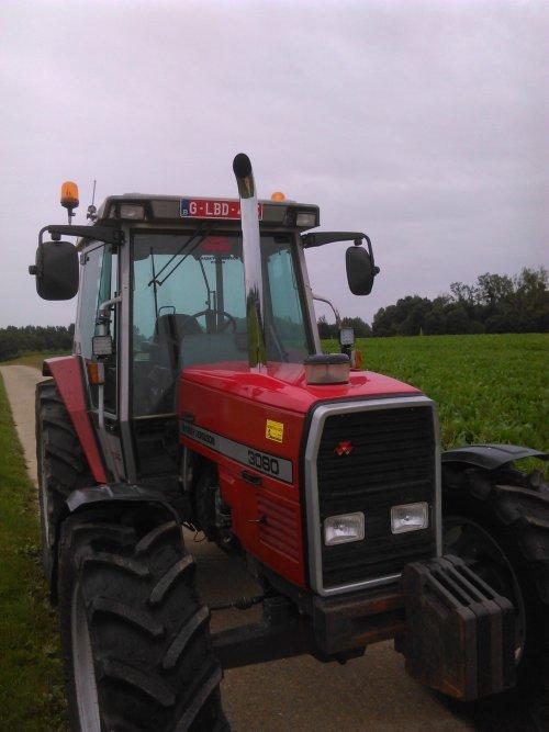 Foto van een Massey Ferguson 3080. Geplaatst door Tim-MF3080 op 23-08-2016 om 00:20:36, op TractorFan.nl - de nummer 1 tractor foto website.