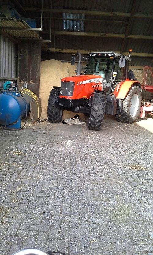 Massey Ferguson 6465 Dyna-6 van wilbert-van-de-streek