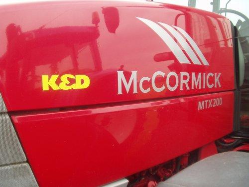 Mc-Cormick MTX 200 van Loonbedrijf K&D klaar voor trekkerslep. Geplaatst door jasper-drenthe op 12-03-2008 om 15:00:08, op TractorFan.nl - de nummer 1 tractor foto website.