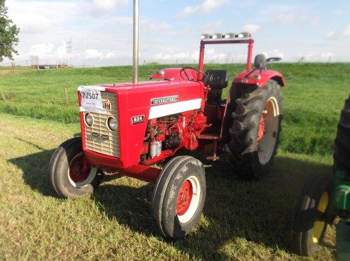 Foto van een Mc-Cormick 624. Geplaatst door 56 op 13-06-2017 om 20:00:19, op TractorFan.nl - de nummer 1 tractor foto website.
