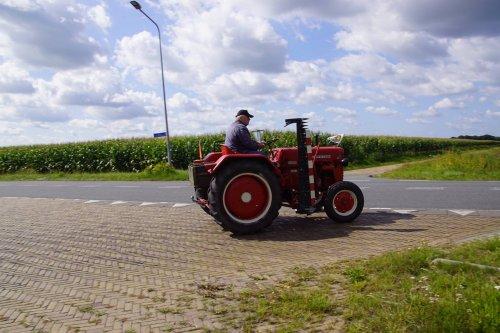Foto van een Mc-Cormick D 219. Geplaatst door jans-eising op 16-09-2017 om 13:06:56, op TractorFan.nl - de nummer 1 tractor foto website.