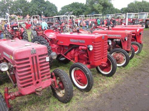 Foto van een Mc-Cormick D 430. Geplaatst door jordi 1455 op 05-11-2017 om 20:15:39, op TractorFan.nl - de nummer 1 tractor foto website.
