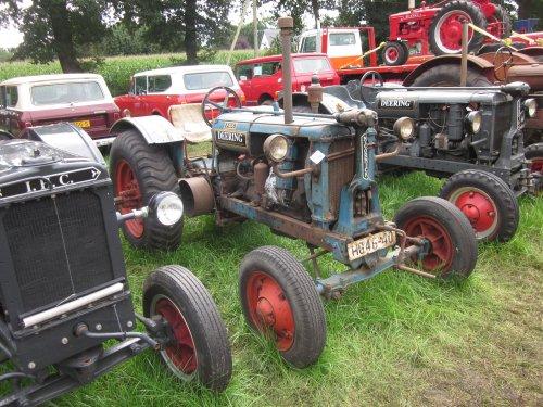 Foto van een Mc-Cormick F 12 G. Geplaatst door jordi 1455 op 01-12-2017 om 19:35:53, op TractorFan.nl - de nummer 1 tractor foto website.