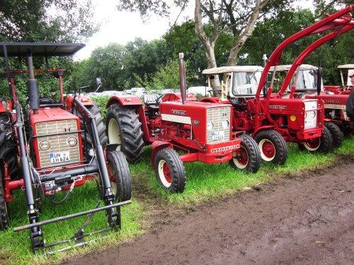 Foto van een Mc-Cormick 624. Geplaatst door jordi 1455 op 11-12-2017 om 22:10:36, op TractorFan.nl - de nummer 1 tractor foto website.