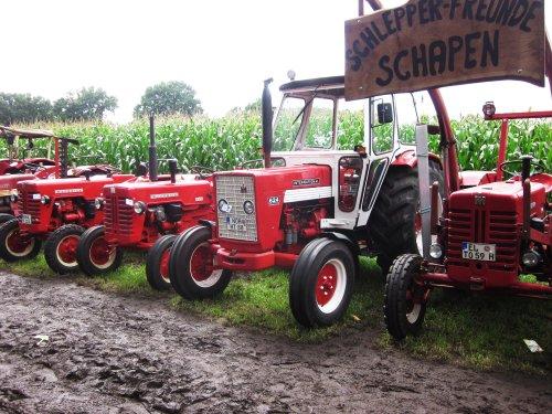 Foto van een Mc-Cormick 624. Geplaatst door jordi 1455 op 13-12-2017 om 22:07:26, op TractorFan.nl - de nummer 1 tractor foto website.