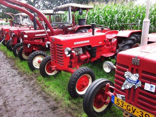 Foto van een Mc-Cormick D 430. Geplaatst door jordi 1455 op 14-12-2017 om 22:59:25, op TractorFan.nl - de nummer 1 tractor foto website.