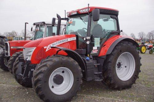 Foto van een Mc-Cormick X7.460. Geplaatst door jans-eising op 15-12-2017 om 19:47:06, op TractorFan.nl - de nummer 1 tractor foto website.