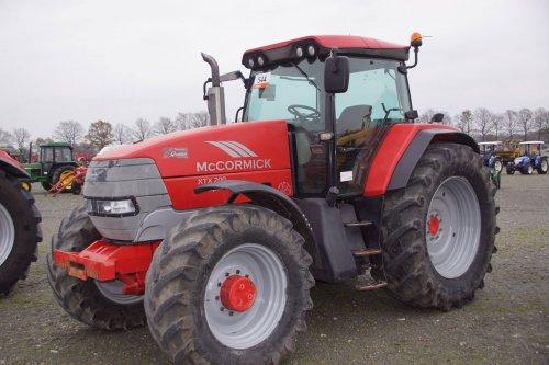 Foto van een Mc-Cormick XTX 200. Geplaatst door jans-eising op 15-12-2017 om 19:47:09, op TractorFan.nl - de nummer 1 tractor foto website.