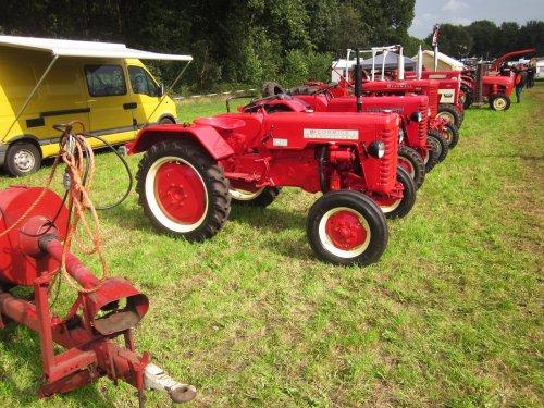 Foto van een Mc-Cormick D 217. Geplaatst door jordi 1455 op 19-12-2017 om 21:45:31, op TractorFan.nl - de nummer 1 tractor foto website.
