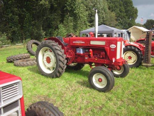 Foto van een Mc-Cormick B 614. Geplaatst door jordi 1455 op 20-12-2017 om 23:10:41, op TractorFan.nl - de nummer 1 tractor foto website.