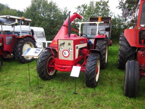 Foto van een Mc-Cormick 724. Geplaatst door jordi 1455 op 26-12-2017 om 22:42:42, op TractorFan.nl - de nummer 1 tractor foto website.