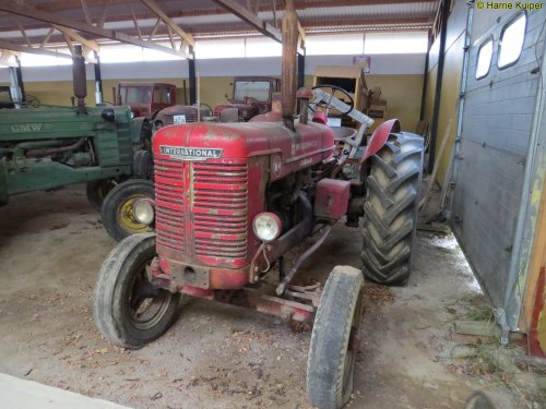 Foto van een Mc-Cormick W4  ,foto's gemaakt bij een oldtimer vereniging in Zweden mei 2017. Geplaatst door oldtimergek op 09-02-2018 om 13:28:13, op TractorFan.nl - de nummer 1 tractor foto website.