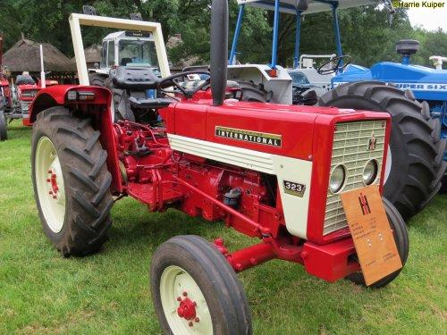 Foto van een Mc-Cormick 323  , oldtimer weekend schoonoord 2018 ( 9 en 10 juni 2018 ). Geplaatst door oldtimergek op 16-06-2018 om 23:18:05, op TractorFan.nl - de nummer 1 tractor foto website.