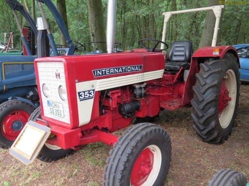 Foto van een Mc-Cormick 353   , oldtimerdag Itterbeck 17-06-2018. Geplaatst door oldtimergek op 21-06-2018 om 18:22:20, op TractorFan.nl - de nummer 1 tractor foto website.