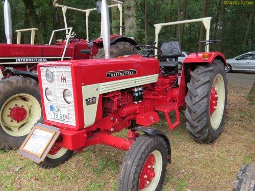 Foto van een Mc-Cormick 353   , oldtimerdag Itterbeck 17-06-2018. Geplaatst door oldtimergek op 21-06-2018 om 18:22:23, op TractorFan.nl - de nummer 1 tractor foto website.