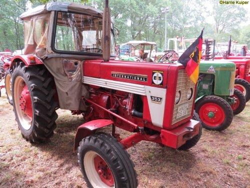 Foto van een Mc-Cormick 353   , oldtimerdag Itterbeck 17-06-2018. Geplaatst door oldtimergek op 02-07-2018 om 09:50:05, op TractorFan.nl - de nummer 1 tractor foto website.