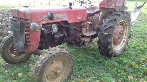 Foto van een Mc-Cormick D 430. Geplaatst door Bart geurtz op 14-01-2019 om 08:41:04, op TractorFan.nl - de nummer 1 tractor foto website.