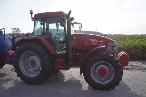Foto van een Mc-Cormick MC 120. Geplaatst door jans-eising op 01-02-2019 om 19:22:50, op TractorFan.nl - de nummer 1 tractor foto website.