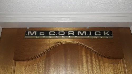 Foto van een Mc-Cormick Logo op de deur van de slaapkamer. Geplaatst door steyrlanzboy op 19-06-2019 om 11:31:23, met 3 reacties.