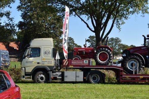 Foto van een Mc-Cormick D 439. Geplaatst door jordi 1455 op 12-10-2019 om 17:25:05, op TractorFan.nl - de nummer 1 tractor foto website.