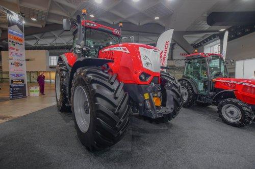 Mc-Cormick X8.680 op Agribex. Geplaatst door jd7920 op 09-12-2019 om 13:07:38, op TractorFan.nl - de nummer 1 tractor foto website.