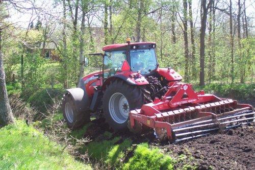 Foto van een Mc-Cormick XTX, bezig met ploegen / eggen. voor meer: http://www.landbouwpower.tk. Geplaatst door ronaldclaas op 18-04-2009 om 17:19:13, op TractorFan.nl - de nummer 1 tractor foto website.