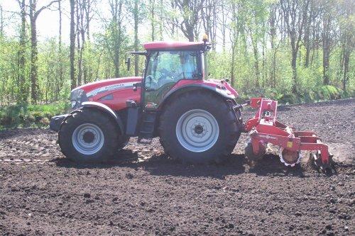 Foto van een Mc-Cormick XTX, bezig met ploegen / eggen. voor meer: http://www.landbouwpower.tk. Geplaatst door ronaldclaas op 18-04-2009 om 17:20:42, op TractorFan.nl - de nummer 1 tractor foto website.