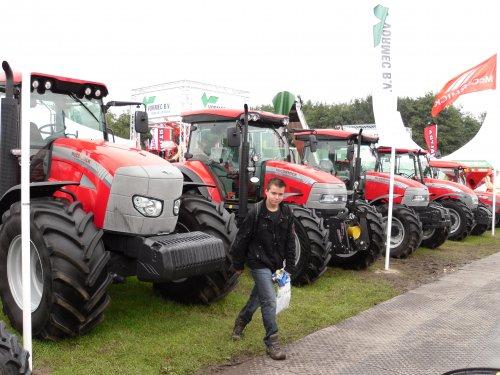 Foto van een Mc-Cormick Meerdere,bij agri technika. dit is fendtkaja.. Geplaatst door mike roseboom op 11-09-2010 om 16:03:27, met 4 reacties.