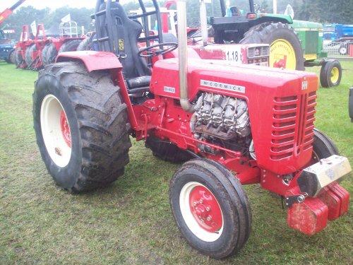 Foto van een Mc-Cormick Onbekend, bezig met tractorpulling.. Geplaatst door ford8630turbo op 24-07-2011 om 21:38:27, met 13 reacties.