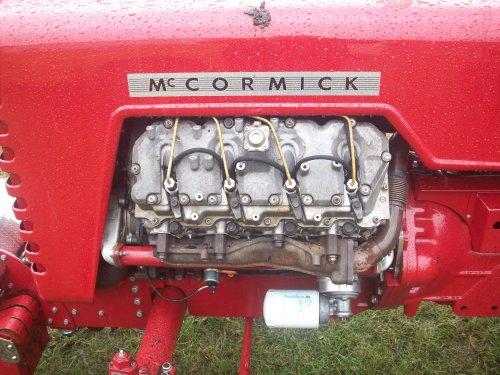 Foto van een Mc-Cormick Onbekend, bezig met tractorpulling.. Geplaatst door ford8630turbo op 24-07-2011 om 21:38:50, met 2 reacties.
