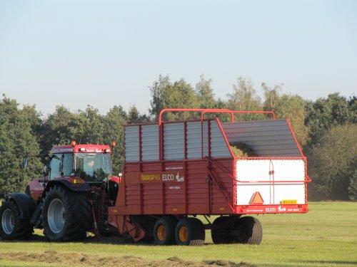 Foto van een Mc-Cormick MTX 165.. Geplaatst door elcogemert op 11-12-2011 om 13:35:41, op TractorFan.nl - de nummer 1 tractor foto website.