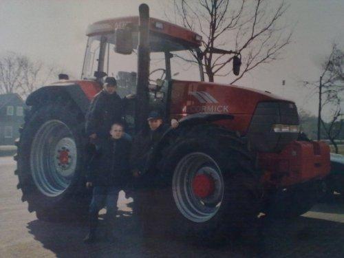 Foto van een Mc-Cormick MTX 175, bezig met poseren.. Geplaatst door EP_MWM_power op 07-04-2012 om 16:37:57, op TractorFan.nl - de nummer 1 tractor foto website.