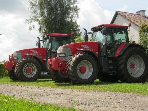 Foto van 2x Mc-Cormick XTX 200, druk bezig met poseren.. Geplaatst door de Wim op 16-09-2012 om 19:49:22, met 2 reacties.