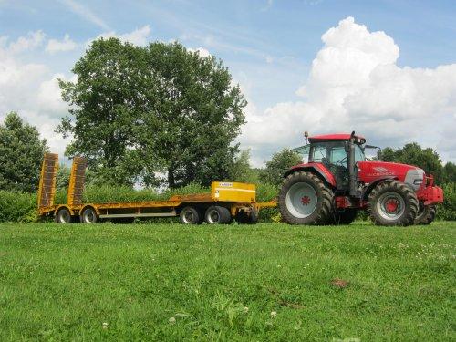 Foto van een Mc-Cormick XTX 200, bezig met poseren.. Geplaatst door de Wim op 16-09-2012 om 19:53:19, met 2 reacties.