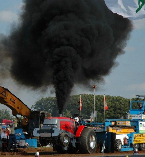 Mc-Cormick MTX, @ Tractorpulling Bakel. Geplaatst door RRphotography op 19-09-2012 om 13:43:41, met 4 reacties.