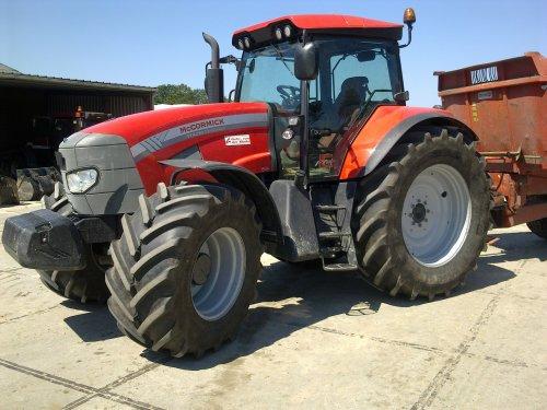 van der made Mc-Cormick TTX 230.. Geplaatst door hmade op 01-04-2013 om 13:02:11, op TractorFan.nl - de nummer 1 tractor foto website.
