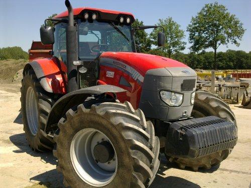 van der made Mc-Cormick TTX 230.. Geplaatst door hmade op 01-04-2013 om 13:04:44, op TractorFan.nl - de nummer 1 tractor foto website.