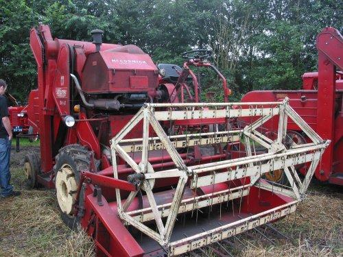 Foto van een Mc-Cormick D8-61, bezig met poseren.. Geplaatst door oldtimergek op 01-08-2014 om 11:01:43, op TractorFan.nl - de nummer 1 tractor foto website.