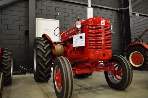 Foto van een Mc-Cormick W4. Geplaatst door SJB533 op 13-04-2015 om 12:37:31, op TractorFan.nl - de nummer 1 tractor foto website.
