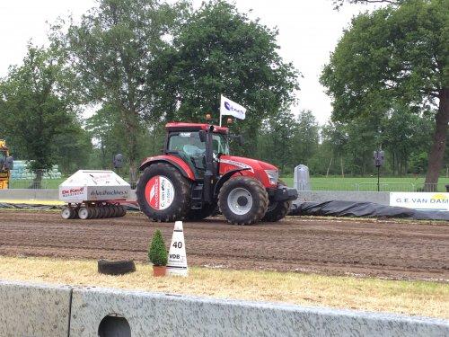 Foto van een Mc-Cormick X7.450 , druk bezig met Tractorpulling.. Geplaatst door HolderB12 op 11-06-2015 om 18:51:21, op TractorFan.nl - de nummer 1 tractor foto website.