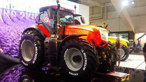 Foto van de nieuwe Mc-Cormick X8.680 op agritechnica!. Geplaatst door NHfan97 op 09-11-2015 om 19:34:14, met 7 reacties.