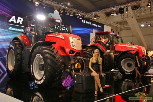 De nieuwe 8000 serie van Mc-cormick werd gepresenteerd op de agritechnica.  Kijk voor alle foto`s van de Agritechnica op: http://www.landbouwpowers.nl