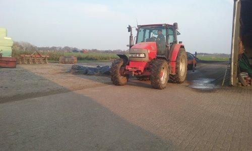 Foto van een Mc-Cormick CX 90. Geplaatst door berryfendt936 op 14-04-2016 om 19:49:50, op TractorFan.nl - de nummer 1 tractor foto website.